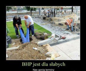 PROFIL SZKOLENIA WSTĘPNE I OKRESOWE BHP ANDRYCHÓW KĘTY WADOWICE przedstawia pracę niezgodną z BHP pracownika na stanowisku pracownika budowlanego. BHP i nie ma mocnych